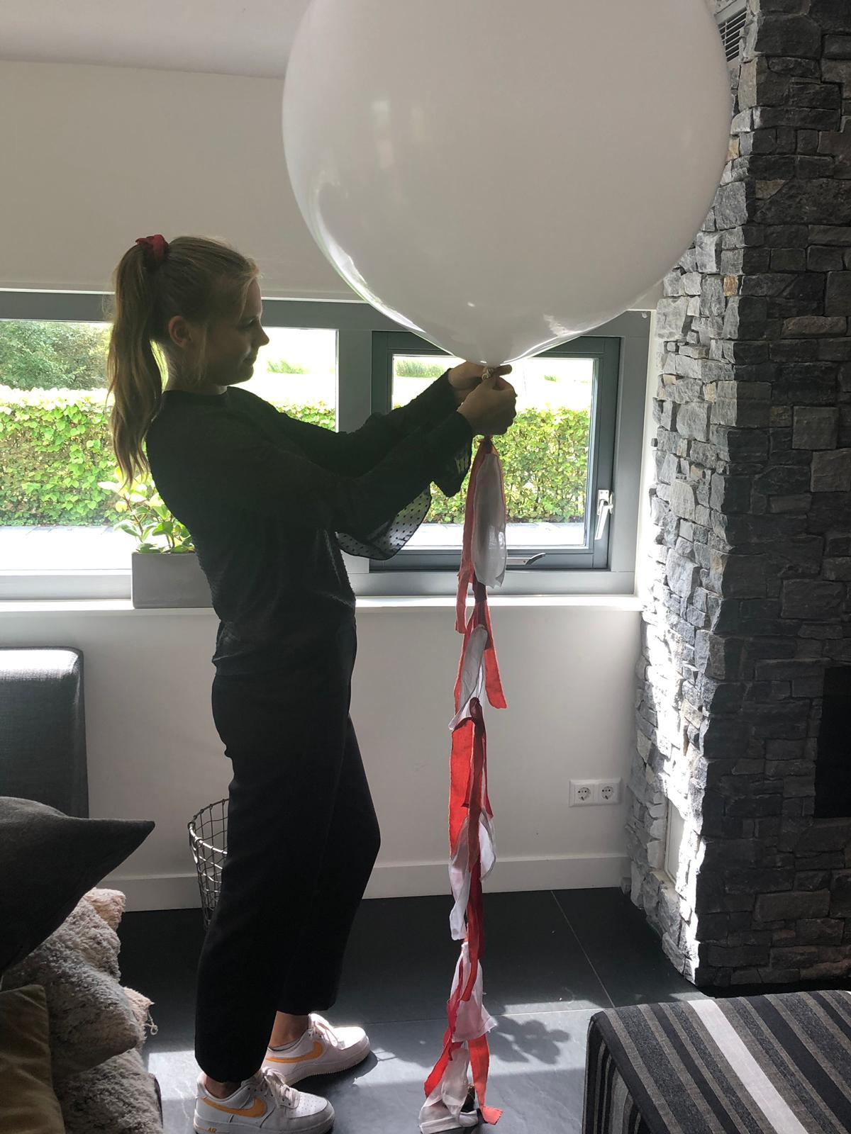 Vrolijke helium ballonnen met tasselslinger - styling Willeke at Work